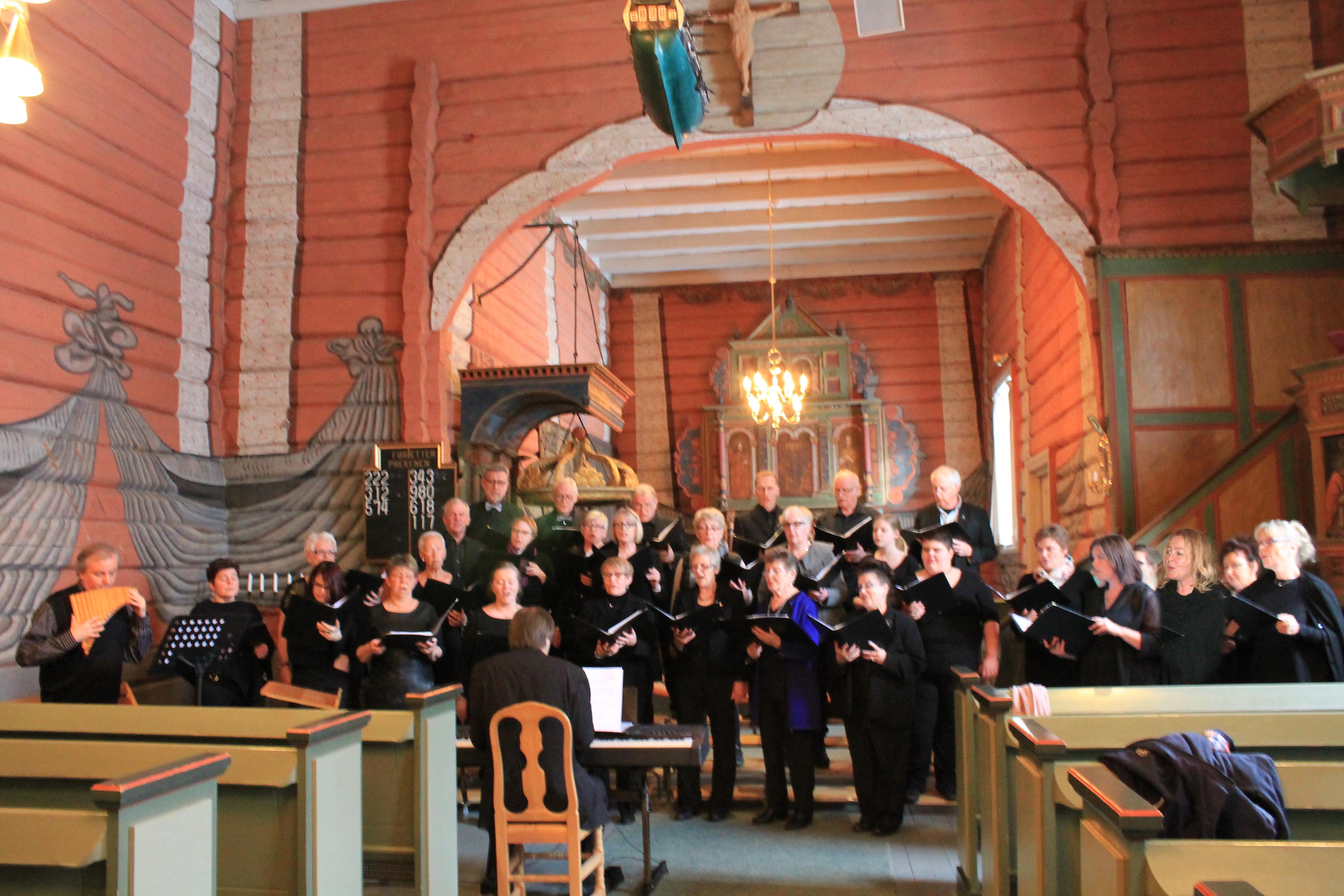 001 Konsert med Roar Engelberg Svarstad kirke 13.03.15 8981