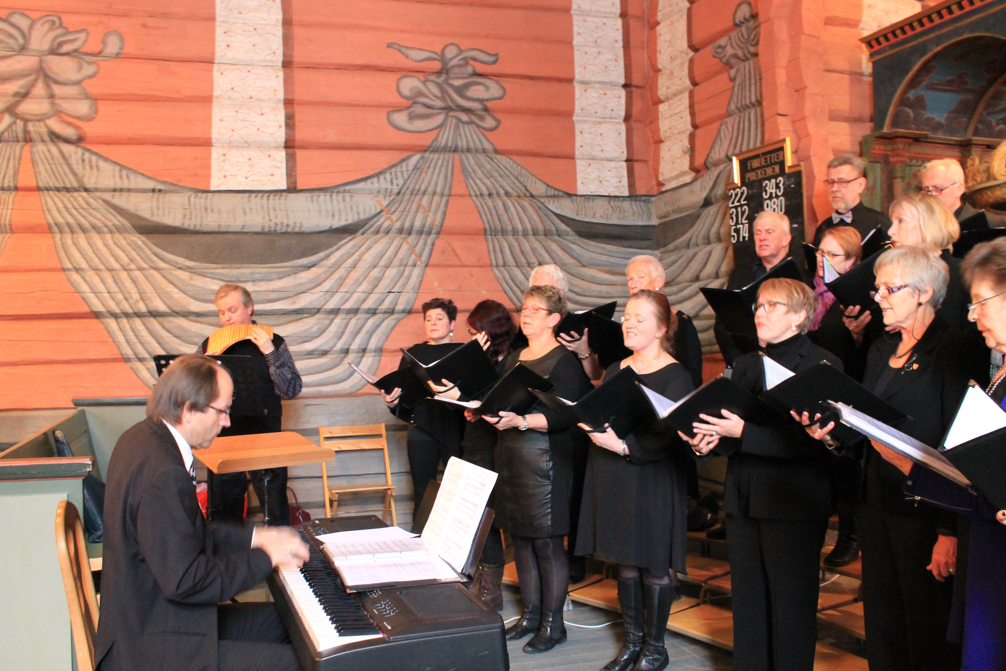 02 Konsert med Roar Engelberg Svarstad kirke 8987