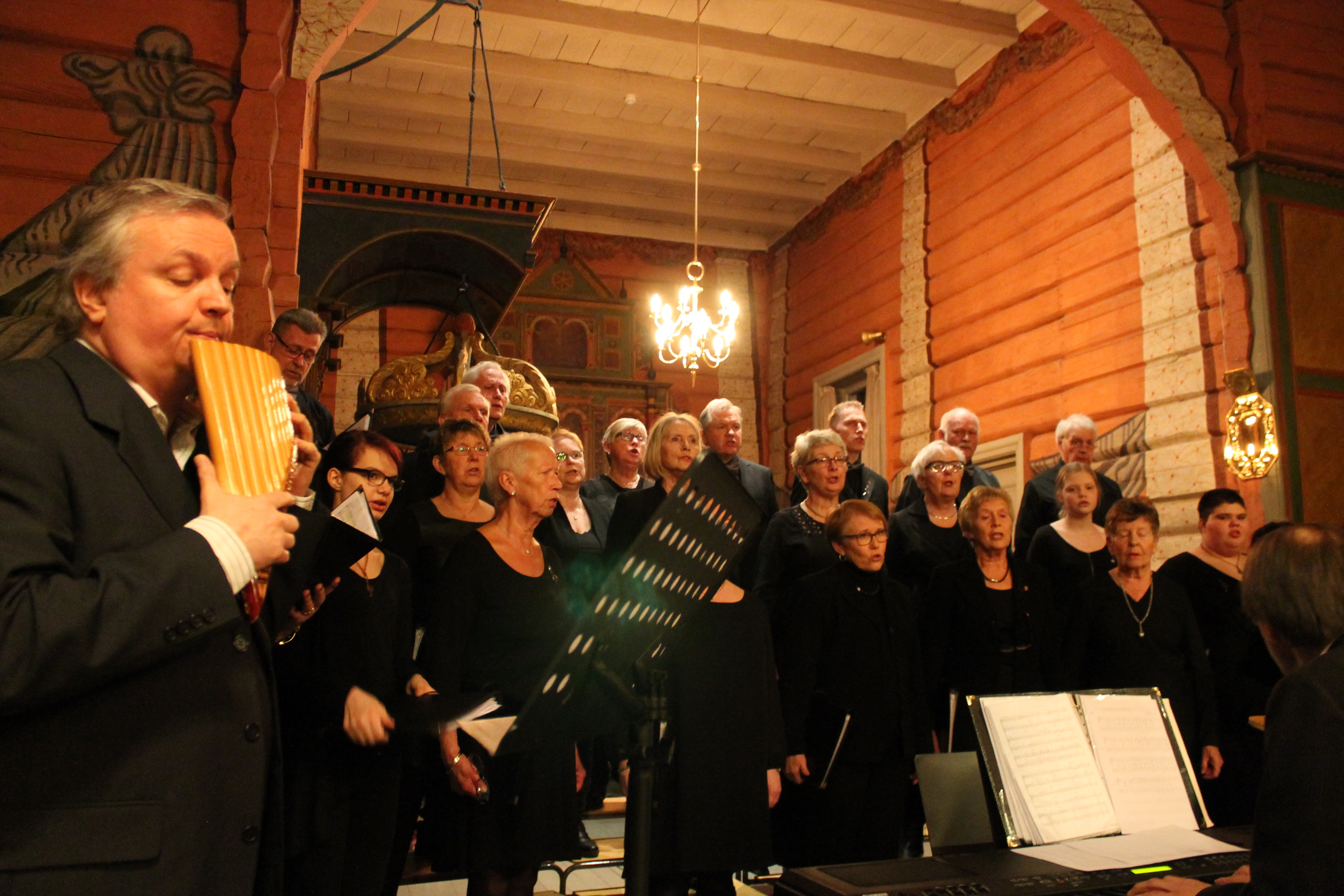 11 Konsert med Roar Engelberg Svarstad kirke 13.03.15 - 9021